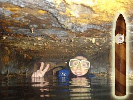 Hier kann man Zigarren unter Wasser rauchen: In der Küche der Thistlegorm auf ca. 25 m Tiefe...